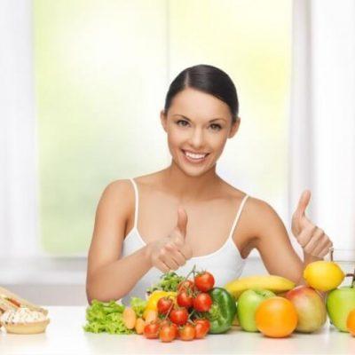Chế độ ăn uống sinh hoạt hợp lý giúp điều trị mụn hiệu quả
