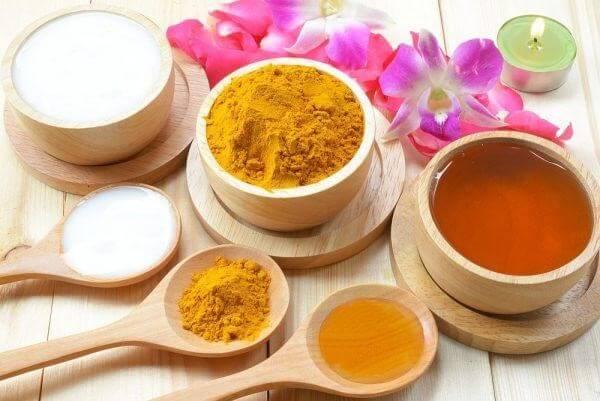 Công thức nghệ, sữa chua và mật ong cho làn da sáng đẹp