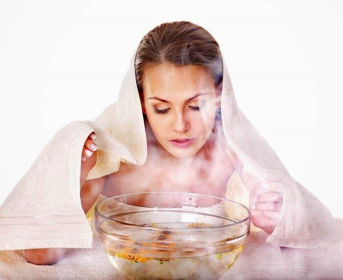 Trị mụn cám bằng cách sử dụng hơi nước xông mặt