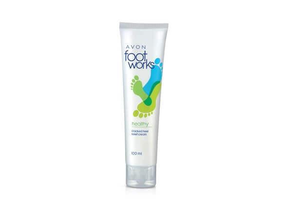 Sản phẩm có thành phần dưỡng ẩm khá tốt giúp da chân mềm mịn.