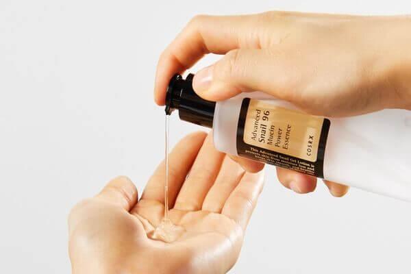 Bạn hãy thử với tinh chất này của Cosrx khi chứa tới hơn 96% dịch nhầy của ốc sên
