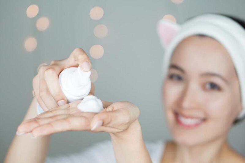 Bọt rửa mặt - sữa rửa mặt dịu nhẹ