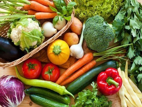 Các loại rau củ đậm màu chứa nhiều chất chống oxy hóa có lợi cho làn da