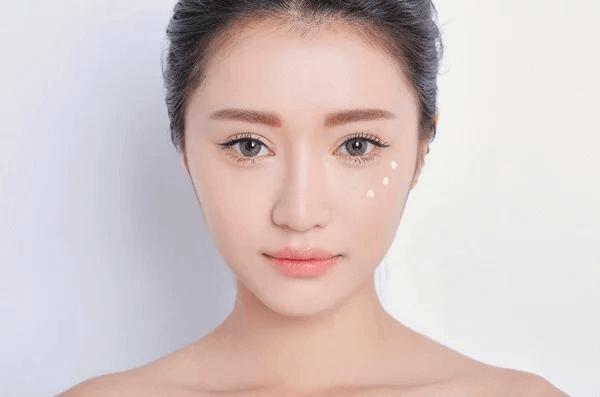 DD Cream giúp ngăn ngừa dấu hiệu tuổi tác.