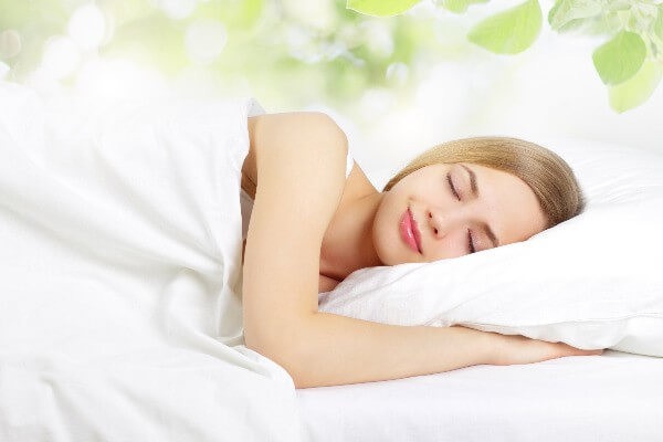 Giấc ngủ ngon đem lại tinh thần và làn da khỏe mạnh cho bạn - cách trị mụn cám ở mũi