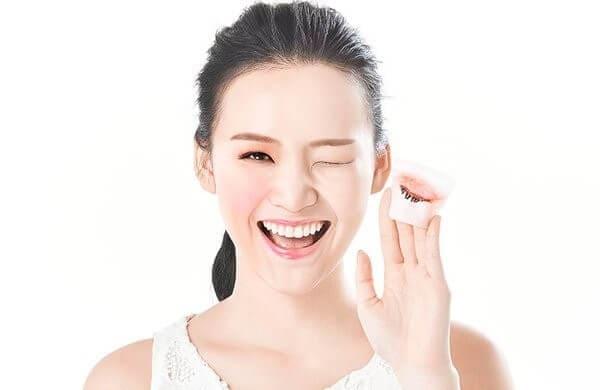 Hãy chăm sóc da mặt đúng cách để sử dụng kem nền hiệu quả hơn