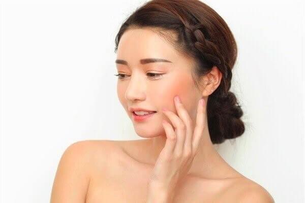 Hãy tập làm quen từng bước để da được thích nghi bạn nhé - cách trị mụn cám ở mũi