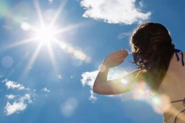 Những nguy cơ tiềm ẩn từ tia UV, đặc biệt là UVA sẽ là thủ phạm âm thầm gây ra nám cho bạn - serum trị nám tàn nhang hiệu quả