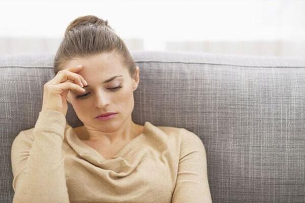 Nội tiết ở phụ nữ cũng là nguyên nhân thường dễ thấy khi gây ra mụn