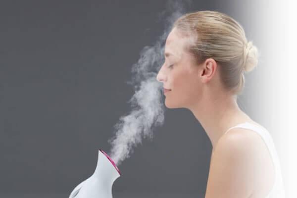 Phương pháp này khá thư giãn khi thực hiện tại nhà - cách trị mụn cám ở mũi