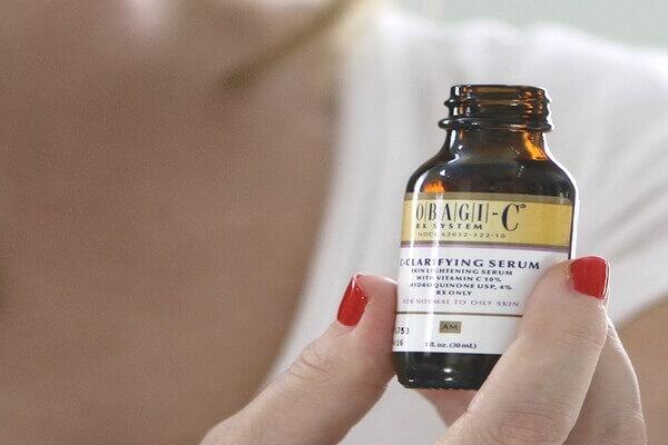 Serum có chứa 4% hydroquinone của Obagi giúp đem đến làn da tươi sáng cho bạn