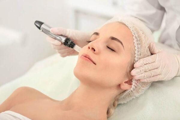 Sử dụng phương pháp laser vào trị nám tuy hiệu quả mang lại tốt nhưng chi phí khá tốn kém cho một lần điều trị