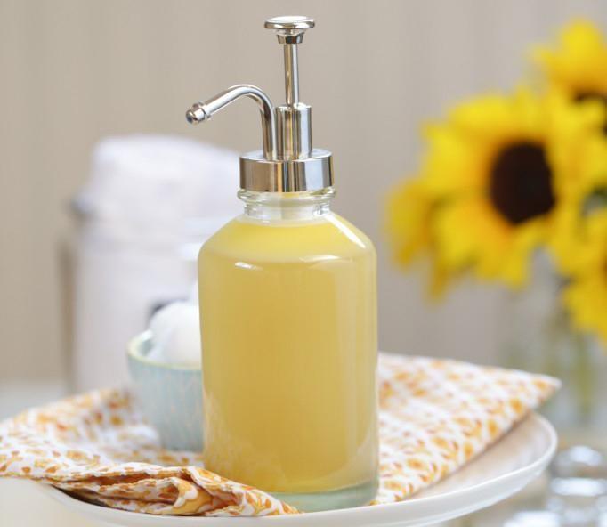 Sữa rửa mặt hoa quả là xu hướng đối với những người yêu thích mỹ phẩm thiên nhiên