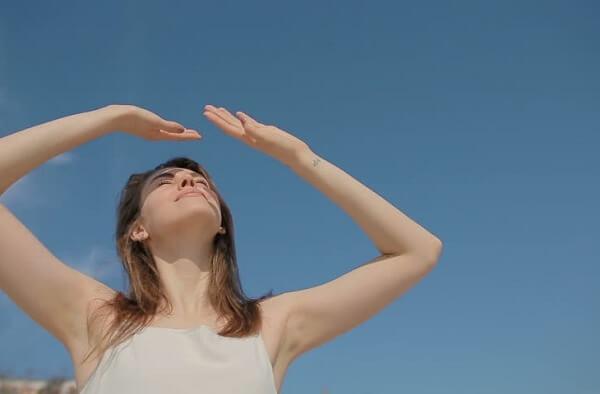 Tác động bất lợi từ nguồn nhiệt, UV của mặt trời trong hình thành nám