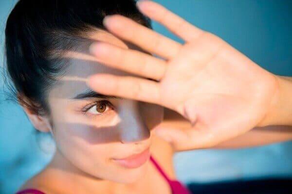 Tia UV từ ánh nắng mặt trời mang lại rất nhiều hậu quả cho làn da chúng ta