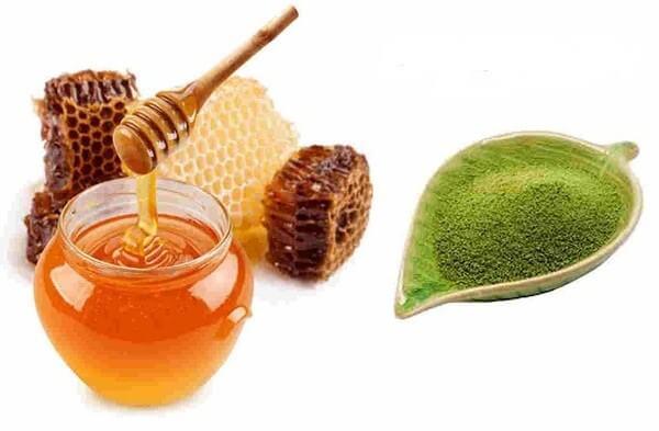 Trà xanh và mật ong là công thức mặt nạ trị mụn cho những làn mụn nhạy cảm
