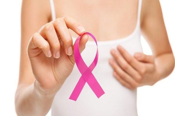 Vấn đề về ung thư vú từ việc tích lũy paraben trong cơ thể đang trở thành nỗi bận tâm của rất nhiều người