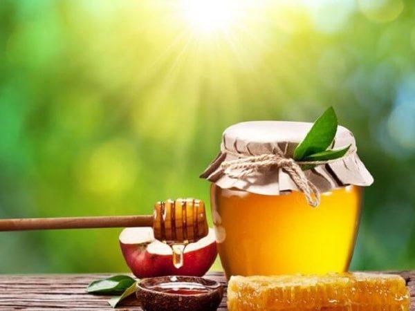 Lựa chọn mật ong nguyên chất giúp trị mụn hiệu quả