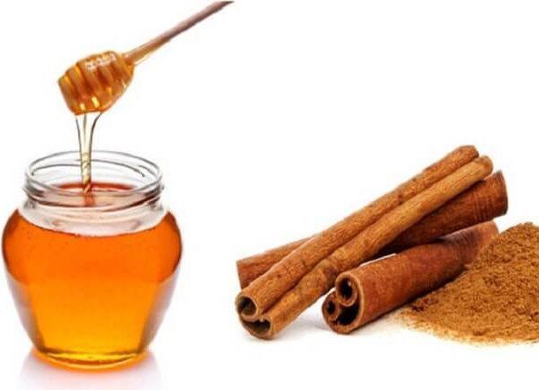 Hỗn hợp mật ong và quế giúp da sáng mịn, giảm mẩn đỏ