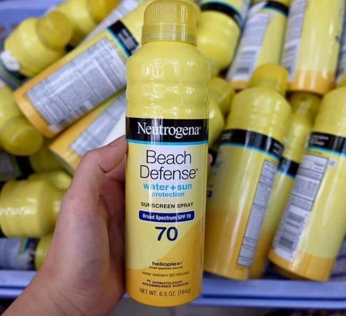 Kem chống nắng dạng xịt Neutrogena Beach Defense Water SPF 70