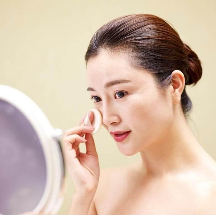 Làm sạch và cân bằng da là bước cần thiết trước khi sử dụng serum - sử dụng serum trị thâm
