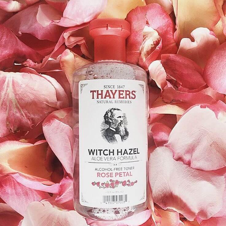 Nước hoa hồng không cồn Thayers có công dụn ngăn ngừa mụn, dưỡng ẩm