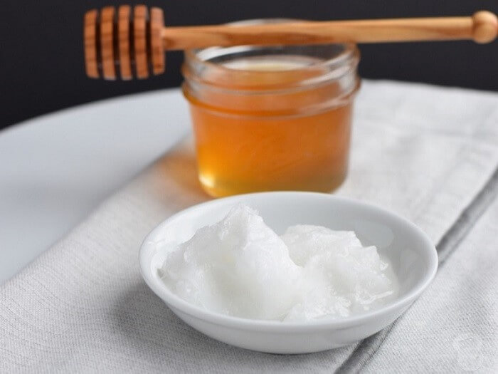 Mật ong và baking soda ngăn ngừa sự phát triển của vi khuẩn gây mụn