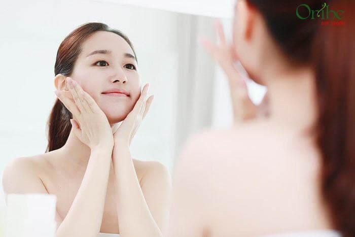 Sử dụng serum dưỡng trắng mang lại sự tự tin cho chị em
