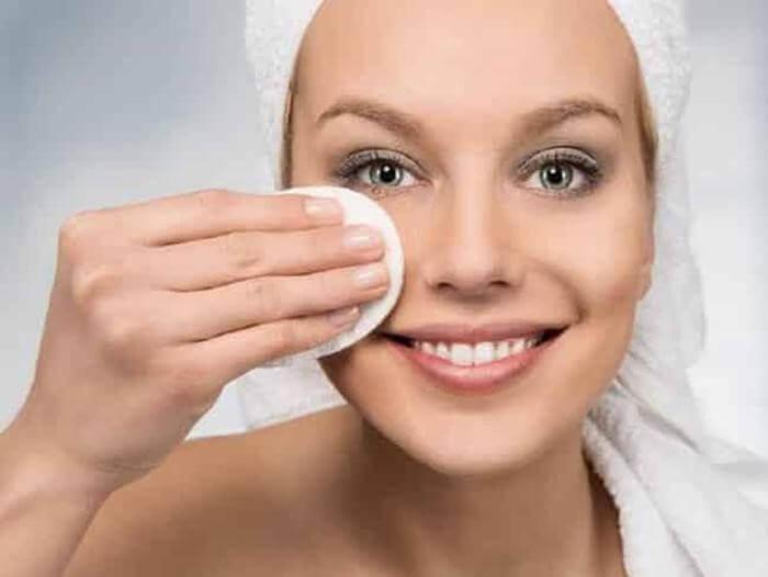 Tẩy trang là bước quan trọng để dưỡng da